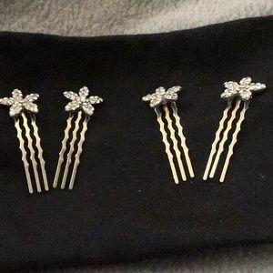 Crystal daisies hair combs.